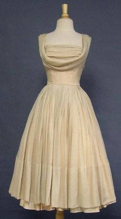 THIS IS THE DRESS FOR ME......MAKE THIS TEA LENGTH AND A DECORATED WAIST....& PRETTY EARINGS & SHOES TA DA!
