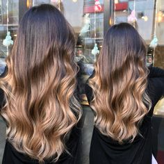 The shaded caramel hair makes us all crack for its natural and shiny side. This partial staining technique colors the hair in a few different shades starting with the root and ending at the tips of the hair. Hombre Hair, Caramel Hair, Ombre Hair Color, Hair Trends, Long Hair Styles, Beauty, Brown, Hairstyles, Ideas