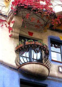 Curious Places: Hundertwasser-Haus (Vienna/ Austria)