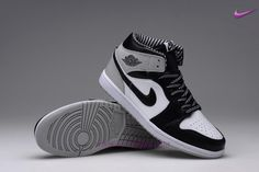 best loved 0b699 68c95 AIR JORDAN 1 RETRO 555088-010 Nero Bianco HIGH OG Uomo-Donna Nike