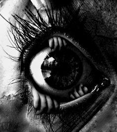 whitesoulblackheart:  Eye Manipulation by DDavis© (Please leave credit …Ƹ̴Ӂ̴Ʒ)