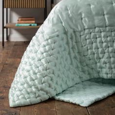 Ultimate Silk Bedspreads   Soak&Sleep