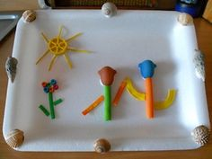 Festa della mamma: quadretto particolare ! http://www.mammecomeme.com/2013/04/festa-della-mamma-quadretto-con-la-pasta.html