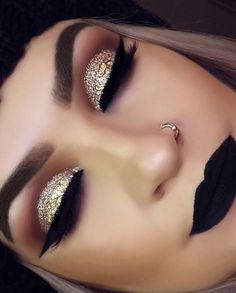 Gold Makeup Tutorial with Blue Under-Eye Liner - Make up hacks Prom Makeup, Cute Makeup, Gorgeous Makeup, Pretty Makeup, Makeup Geek, Skin Makeup, Wedding Makeup, Makeup 2018, Makeup Brushes