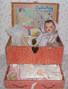 1937 Mold 1 - Effanbee 13 DY-DEE KIN Doll in Trunk -- Complete Layette