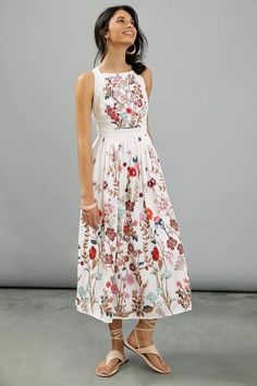 Wondering what to wear to a spring wedding? We've got all the 2021 trends and 50 spring wedding guest dresses to get you started. Beautiful Summer Dresses, Summer Dresses For Women, Spring Dresses, Summer Maxi Dress Outfit, Pretty Dresses, Spring Outfits, Plus Dresses, Types Of Dresses, Casual Dresses