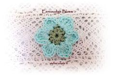 Ik vind het ontzettend leuk dat er zoveel toffe reacties zijn op dit idee.  Iedereen van harte welkom!   De eerste bloem van de Crochet Flow...