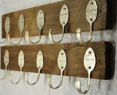Ideas para reciclar cubiertos: ganchos de percheros