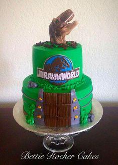 Jurassic World cake Harry Birthday, 10th Birthday Parties, Dinosaur Birthday Party, 4th Birthday, Birthday Party Themes, Birthday Cake, Jurassic Park Party, Jurassic World Cake, Second Birthday Ideas