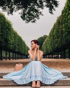 #paris #france #romanticmood #romanticdress #victorcosta Girl Photo Poses, Girl Photos, Frock For Women, Fashion Vocabulary, Aesthetic Photo, Lovely Dresses, Life Is Beautiful, Beauty Women, Celebrity Style