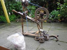 kleines, antikes Spinnrad von 1937 - funktionsfähig + 300 g Kammzugwolle in Möbel & Wohnen, Hobby & Künstlerbedarf, Garne & Strickwolle   eBay