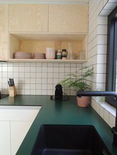 How to design your kitchen design in a thematic area – lamp ideas Studio Kitchen, Kitchen Room Design, Home Decor Kitchen, Interior Design Kitchen, New Kitchen, Kitchen Dining, Kitchen Cabinets, Dining Room, Küchen Design