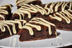Triunghiuri/patrate cu ciocolata si mere   Retete culinare cu Laura Sava