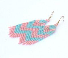 Long dangle chevron earrings - turquoise and pink - 18,90 EUR- loja Burvesrotas ETSY- Letónia