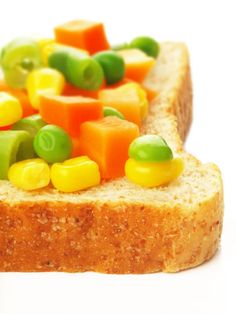 A simple and nutritious sandwich that can be whipped up in a few minutes, carrot and peas sandwich makes a delicious snack and satisfying breakfast easy healthy recipes.