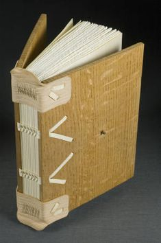 View 1 :: University of Iowa Libraries Bookbinding Models