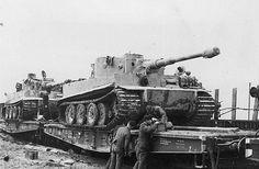 Panzerkampfwagen VI Tiger, loaded with combat tracks on.
