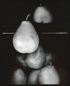 VALUE & FORM: The 3 dimensional pears appear real and there's black, white and grays in the photo showing value. Photography 2017, Object Photography, Still Life Photography, Artistic Photography, Fine Art Photography, White Photography, Photography Magazine, Olivia Parker, Still Life Images