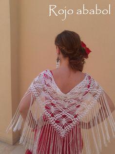 MANTONCILLO   https://www.pinterest.com/goyidan/hacer-traje-de-flamenca-complementos-y-m%C3%A1s/