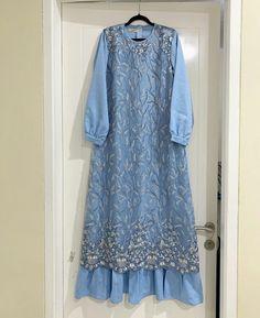 Dress Brukat, Hijab Style Dress, Batik Dress, Dress Outfits, Batik Kebaya, Kebaya Modern Dress, Kebaya Dress, Dress Pesta, Abaya Fashion
