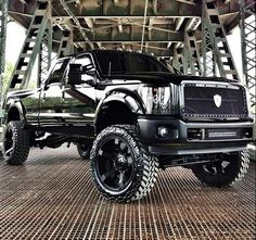TRICKED out F250 Ford ❤️