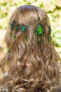 Headdresses Pagan Wicca Witch: Emerald Dreams stunning bronze and emerald-green handmade filigree bridal circlet.Headdresses Pagan Wicca Witch: Emerald Dreams stunning bronze and emerald-green handmade filigree bridal circlet. Accesorios Casual, Circlet, Hair Jewelry, Jewellery, Yoga Jewelry, Hippie Jewelry, Tribal Jewelry, Jewelry Art, Headdress