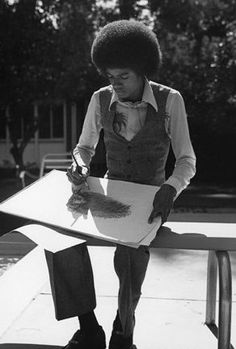<3 Michael Jackson <3 - besides singing, Michael was a talented artist.