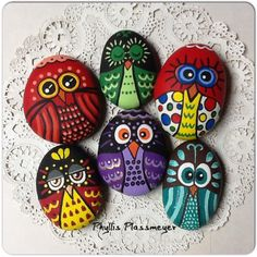 painted rocks: fish Looks like the fish in the book Only One You ...