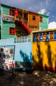 Caminito, Beunos Aires.  Jon Reid, Nomadic Vision Photography.