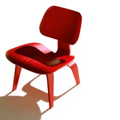 Via Smart Furniture | LCW by Charles and Ray Eames | Red