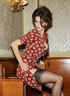 Addicted 2 Nylons : Photo