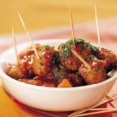 ge­hakt­bal­le­tjes in pit­ti­ge to­ma­ten­saus (al­bon­digas) Recept - Albondigas - AllerhandeRecept - Albondigas - Allerhande Savory Snacks, Healthy Snacks, Bruschetta, Spanish Tapas, Snacks Für Party, Appetisers, High Tea, Mexican Food Recipes, Good Food