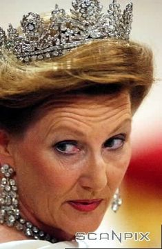 A rare image of this tiara where you can see the actual base of it. It's been worn by Princess and later Queen Sonja, since her marriage in 1968.