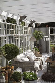 <3 http://www.brasspineappleinteriors.com/blog/2017/4/9/inspirational-porches