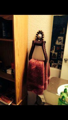 Western stirrup towel holder