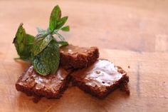 Peppermint Brownies Peppermint Brownies, Brownie Recipes, Food And Drink, Easy, Desserts, Mint Brownies, Tailgate Desserts, Deserts, Postres