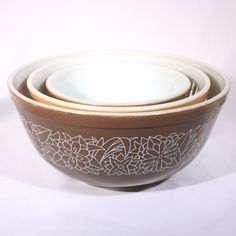 Pyrex Woodland Brown Mixing Bowls