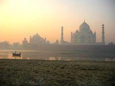 Delhi to Jaipur, via Agra