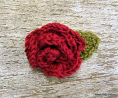 "A calico rose and leaf( 2"") for embellishing jewelry... Free pattern!!"