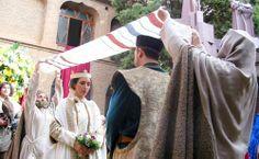 Fiestas: Las Bodas de Isabel de Segura, fiesta medieval sobre los amantes de Teruel que se celebra en Febrero.