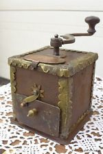Alte Kaffeemühle aus Eisen, old coffee grinder, ancien moulin à café, um 1750