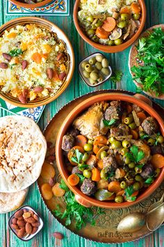 Olive , chicken and meatball tagine Algerian olive chicken and meatball tagineو your taste bud's ticket to a whole new world. Algerian Recipes, Algerian Food, Halal Recipes, Rice Recipes, Beef Recipes, Tagine Recipes, English Food, Middle Eastern Recipes, Easy Dinner Recipes