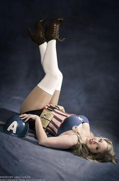 Jaycee Cosplay (USA) as Captain America (pinup...