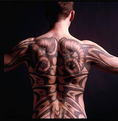 Richard Armitage as the Red Dragon, Francis Dolarhyde in Hannibal, Season 3. Coming to your TV July 23!!! (This tattoo is probably Ralph Fiennes....)