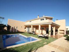 Villa i Sa Ràpita, Spanien – boka via HomeAway. Njut av denna bostad på semestern med 8 bäddar och med internet, med strandläge, nära golfbana, med trädgård, från 3317 SEK per natt.