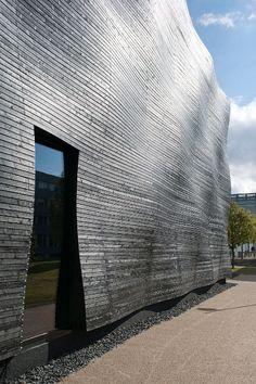 Does it float?  #TUM #auditorium #architecture