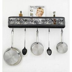 Hi-Lite Leaf Wall Mounted Pot Rack Accent Finish: Silver Accents, Copper Insert: No, Base Finish: Natural Sand