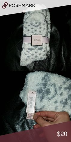 Nwt! Victoria's Secret Fuzzy Socks New with tag! Victoria's Secret Gray & White Fuzzy Comfy Socks  -very soft and comfy -soles have grippy dots Victoria's Secret Accessories