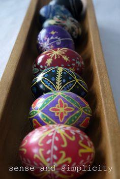 Easter Eggs -Ukrainian -SO pretty! #Easter