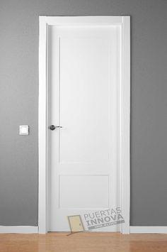 Puerta Lacada Blanca LAC-5102-2 PLAFONES   Puertas Innova S.L.U Bedroom Door Design, Door Design Interior, Window Design, Interior Design Living Room, Rustic Doors, Wooden Doors, Mobile Home Repair, Inside Doors, Modern Door